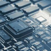 挑战英特尔 亚马逊推出自己的服务器芯片