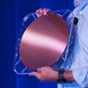 不等英特尔10纳米了,微软Surface恐改用AMD APU处理器