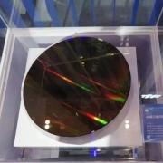 64层3D NAND芯片!紫光首次展示