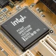 英特尔拉拢欧盟进行芯片生产投资,200亿美元资金将分散欧盟各国